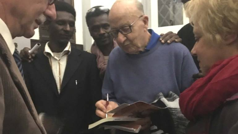 """""""I sogni non svaniscono all'alba"""", Gianni Manghetti presenta il suo romanzo a Pomarance"""