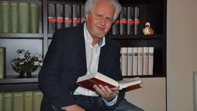 Il Corriere di Siena: Un fanciullino diverso dai vecchi libri scolastici. Intervista a Luigi Oliveto