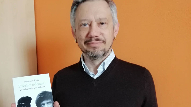 """""""Prossimi e distanti"""". Francesco Ricci presenta a Siena il suo nuovo saggio dedicato ai millennials"""